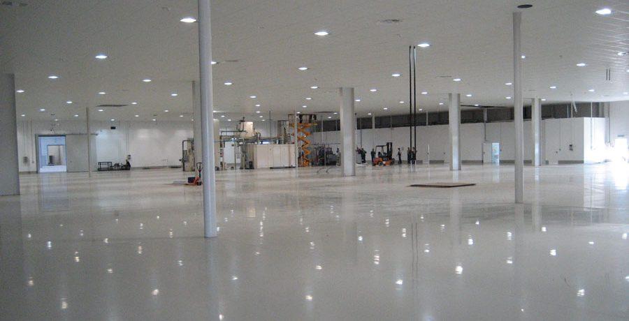 Hala produkcyjna fabryki opakowań Essel-Propack